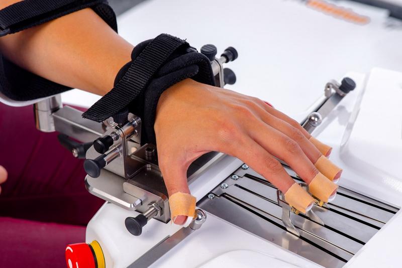 Amadeo para rehabilitación de la mano